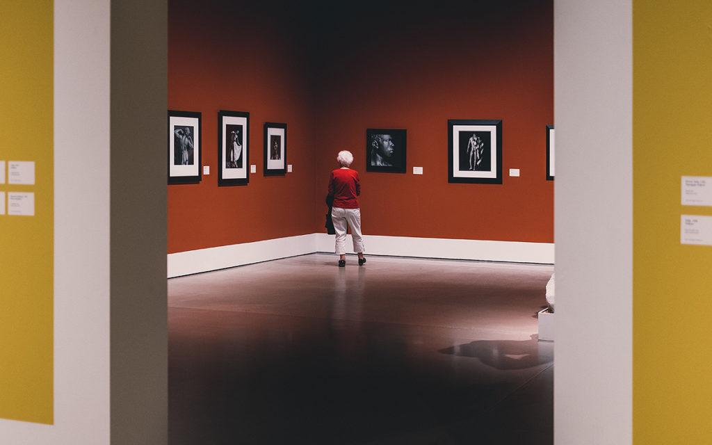 Где обычно приобретают картины